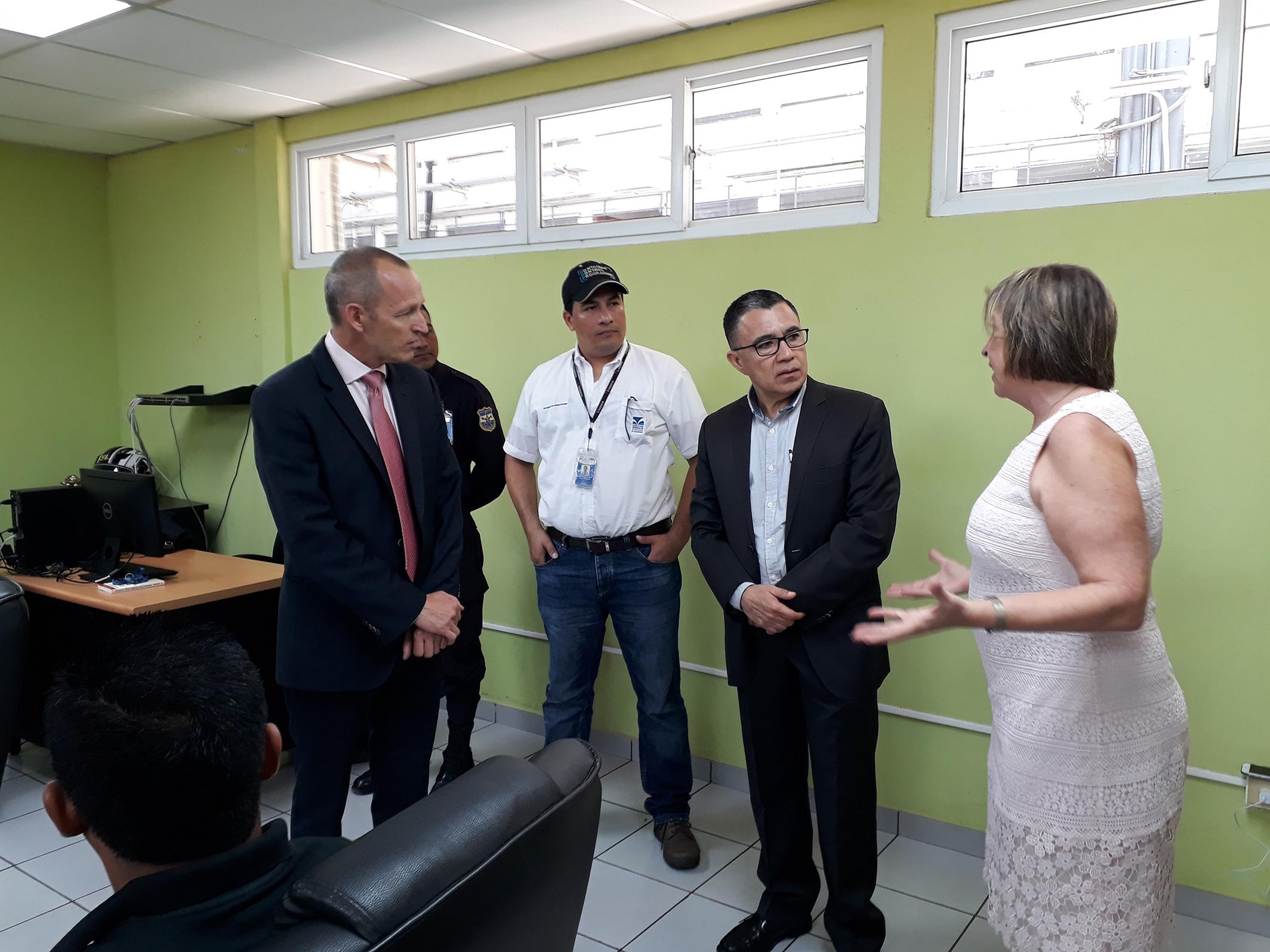Visita y reunión de CNA con representantes de la UCC, Acajutla.