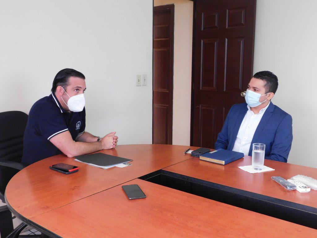 Director Ejecutivo de la CNA se reúne con Director Nacional de Medicamentos