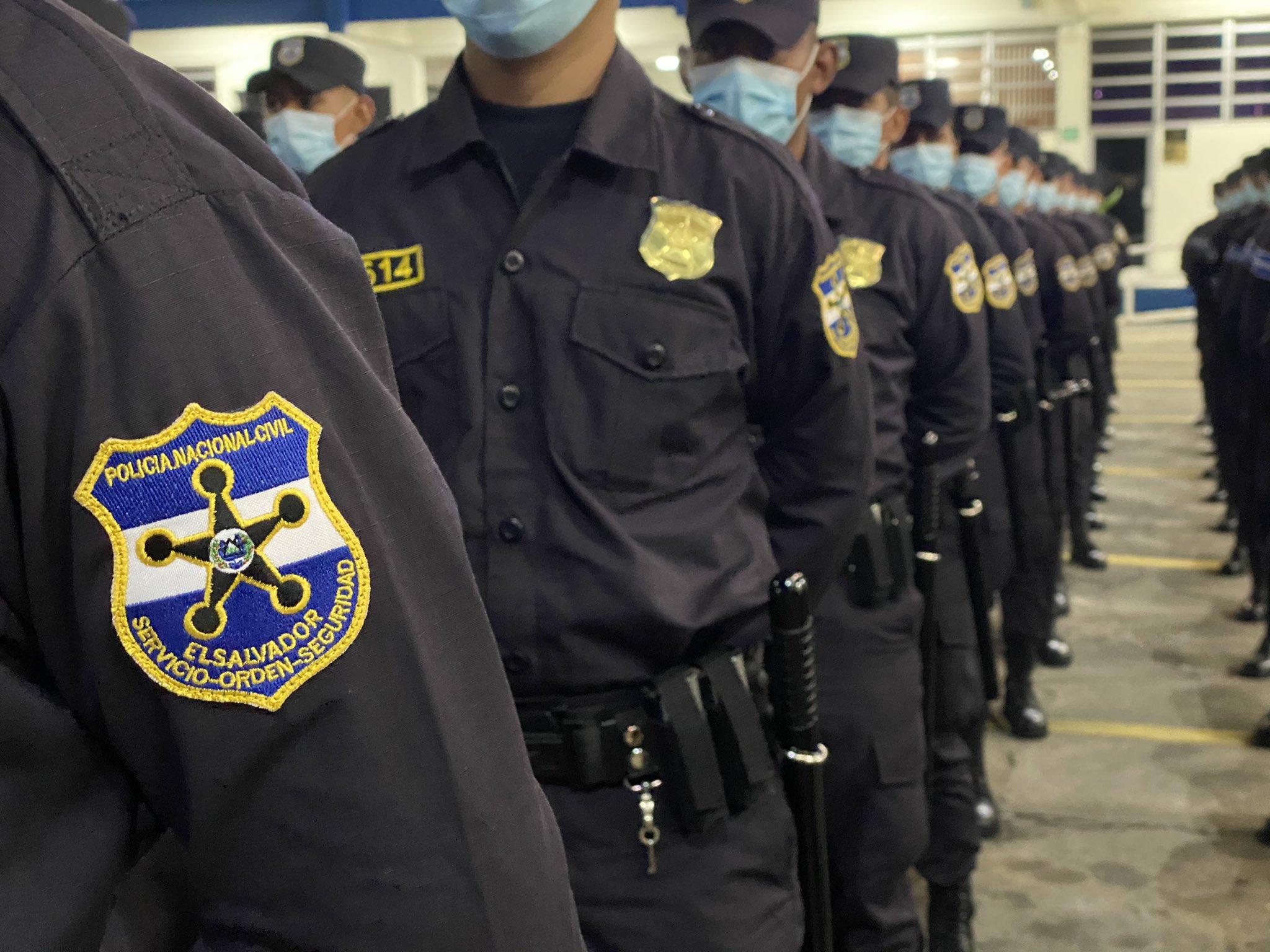"""Rogelio Rivas a los 163 nuevos agentes de policia: """"ustedes son la columna vertebral del Plan Control Territorial"""""""