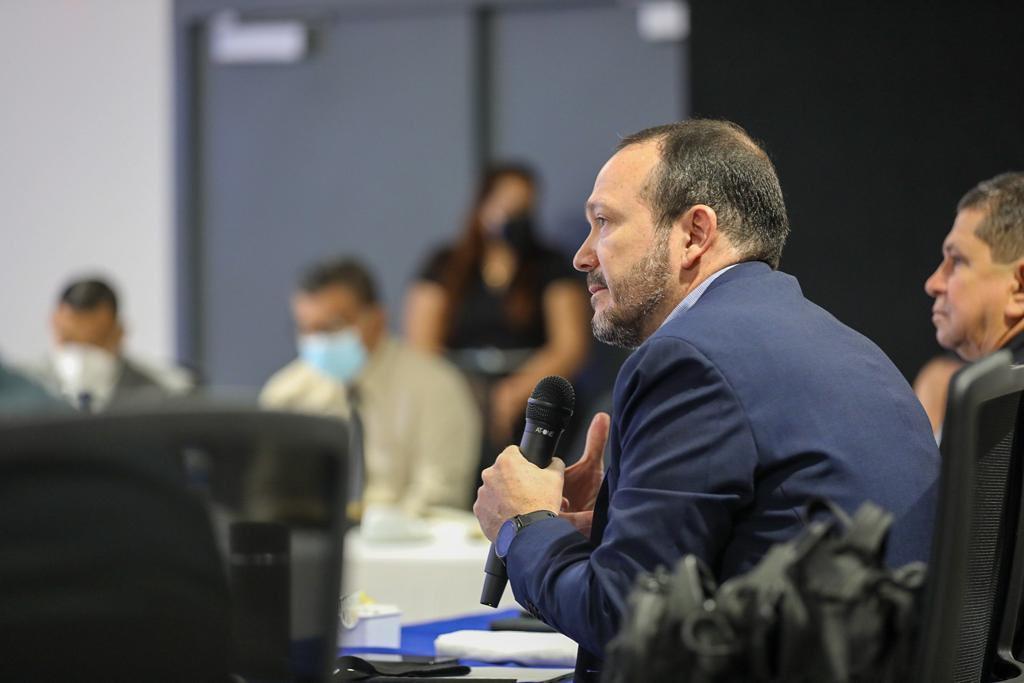 Ministro Gustavo Villatoro se reúne con áreas policiales de investigación e inteligencia