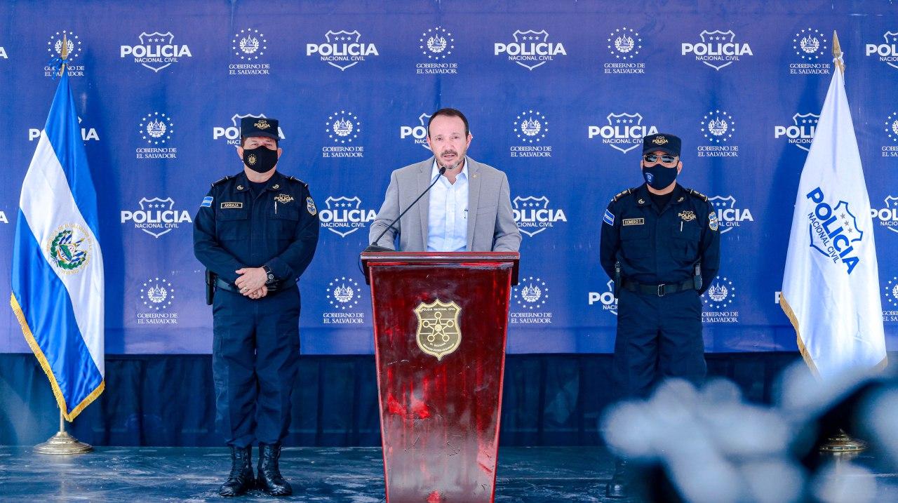 Ministro de Seguridad Pública, Gustavo Villatoro presenta a detenidos en Operación Monarca