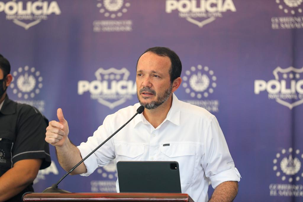 Ministro de Seguridad Gustavo Villatoro anuncia traslado de internos de bartolinas hacia sistema carcelario nacional