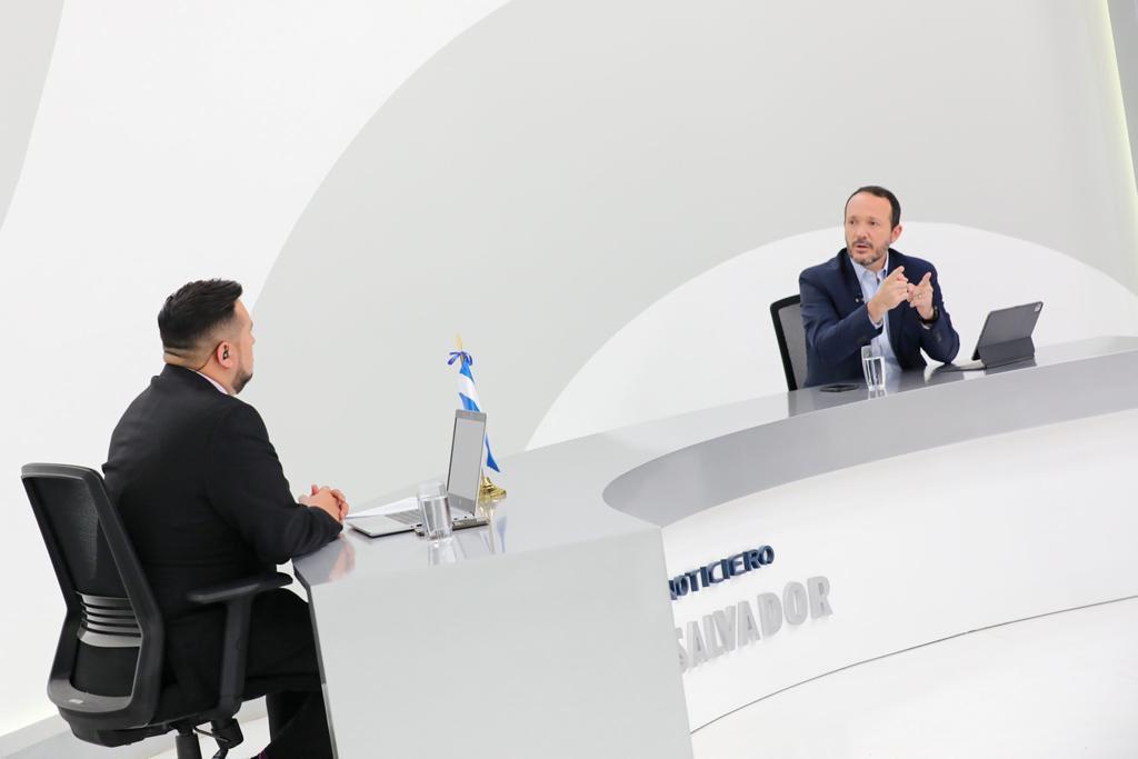 Ministro Gustavo Villatoro cuestiona a quienes salen en defensa de criminales