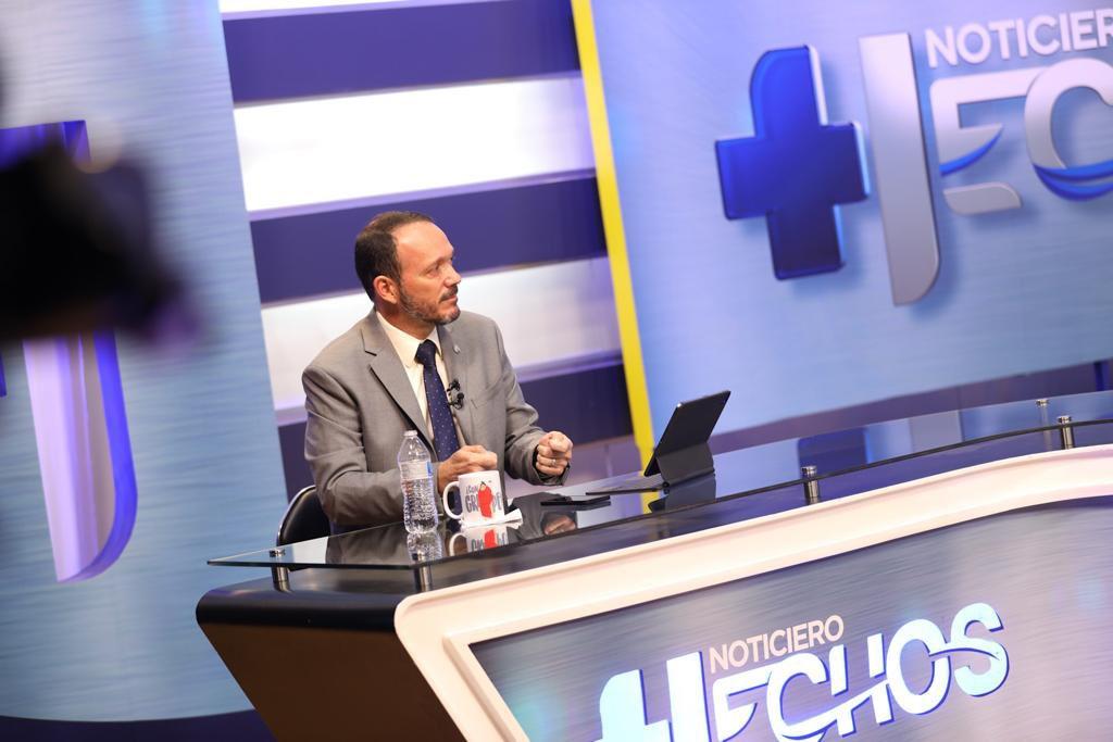 Ministro Gustavo Villatoro dice que reforma contra la corrupción no violenta la Constitución
