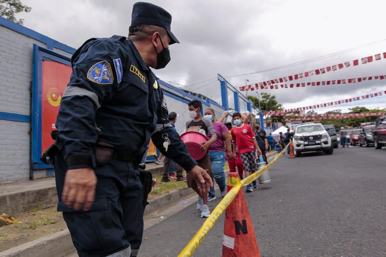 Uso de dispositivos tecnológicos y más de mil agentes en partido El Salvador VS Estados Unidos
