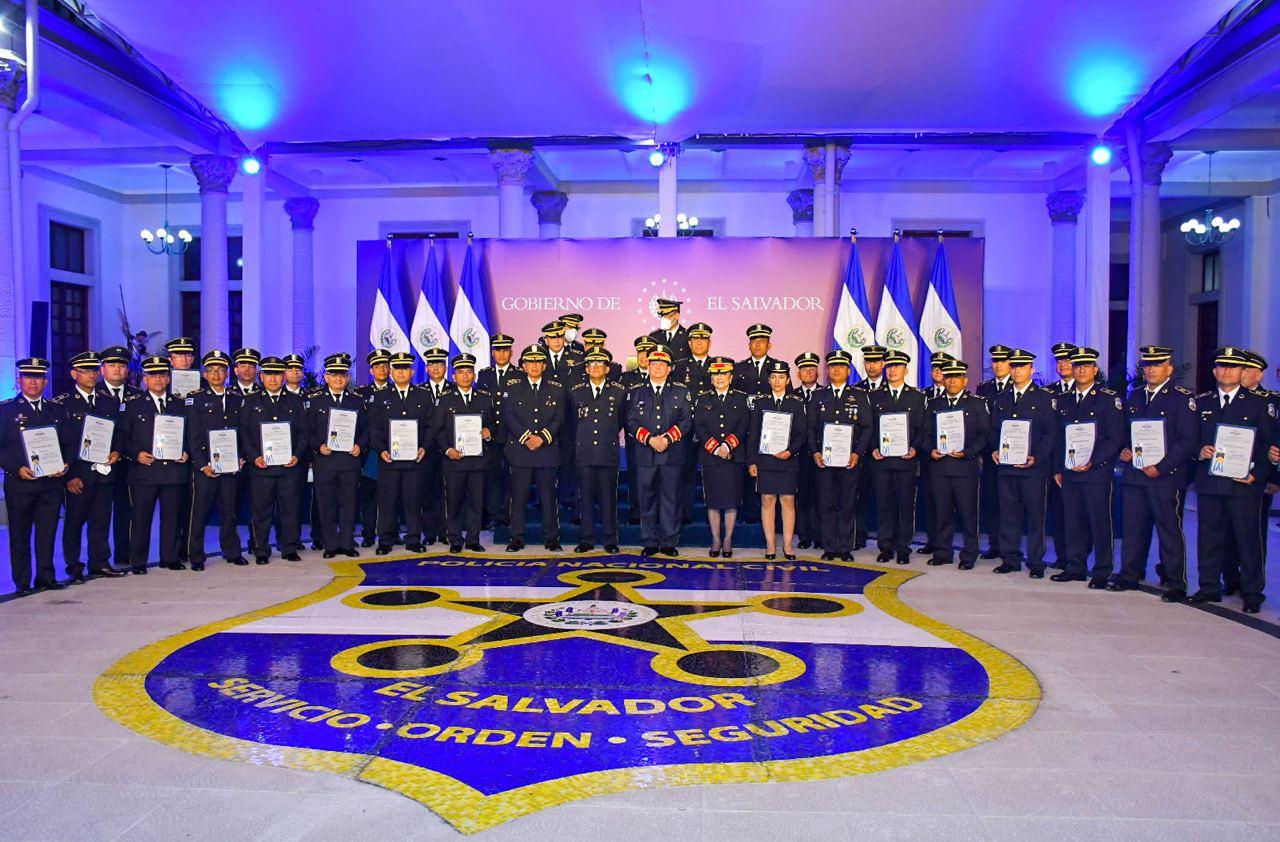 El Gobierno del Presidente Nayib Bukele refuerza a la Policía Nacional Civil con la formación de más personal para el nivel ejecutivo en la ANSP